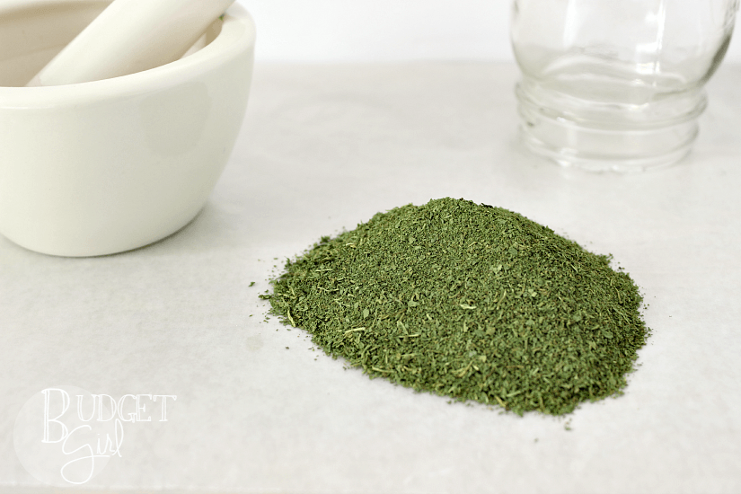 Need more kale in your diet, but tired of seeing it go bad? Try making dried kale flakes in your oven!